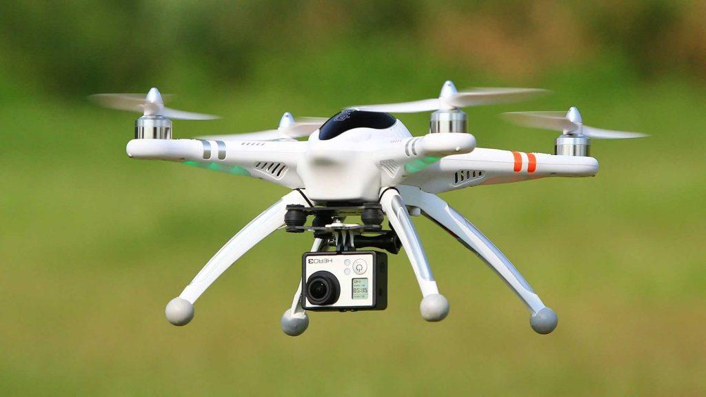 drone-cu-inregistrare-video