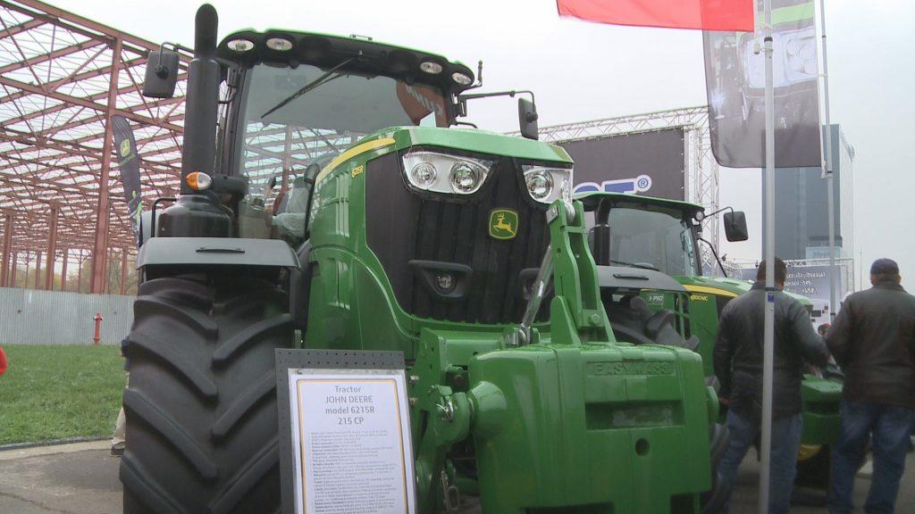 tractor-john-deer-6215r